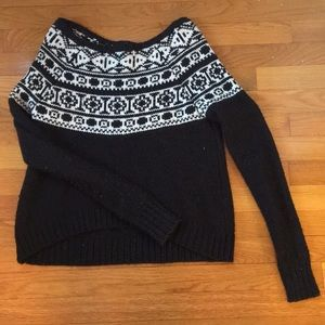 Thick patterned sweater